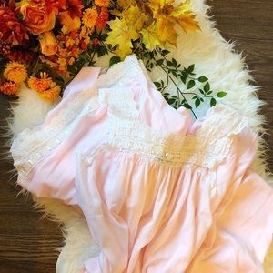 🍂 FALL ARRIVAL 🍂 2 PIECE DIOR NIGHTGOWN SET